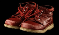 暗红色高邦运动皮鞋图片