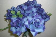 蓝色玫瑰仿真花图片